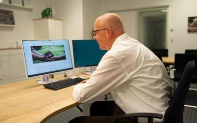 Büro-Quickie: Onlinefitness für die Mittagspause